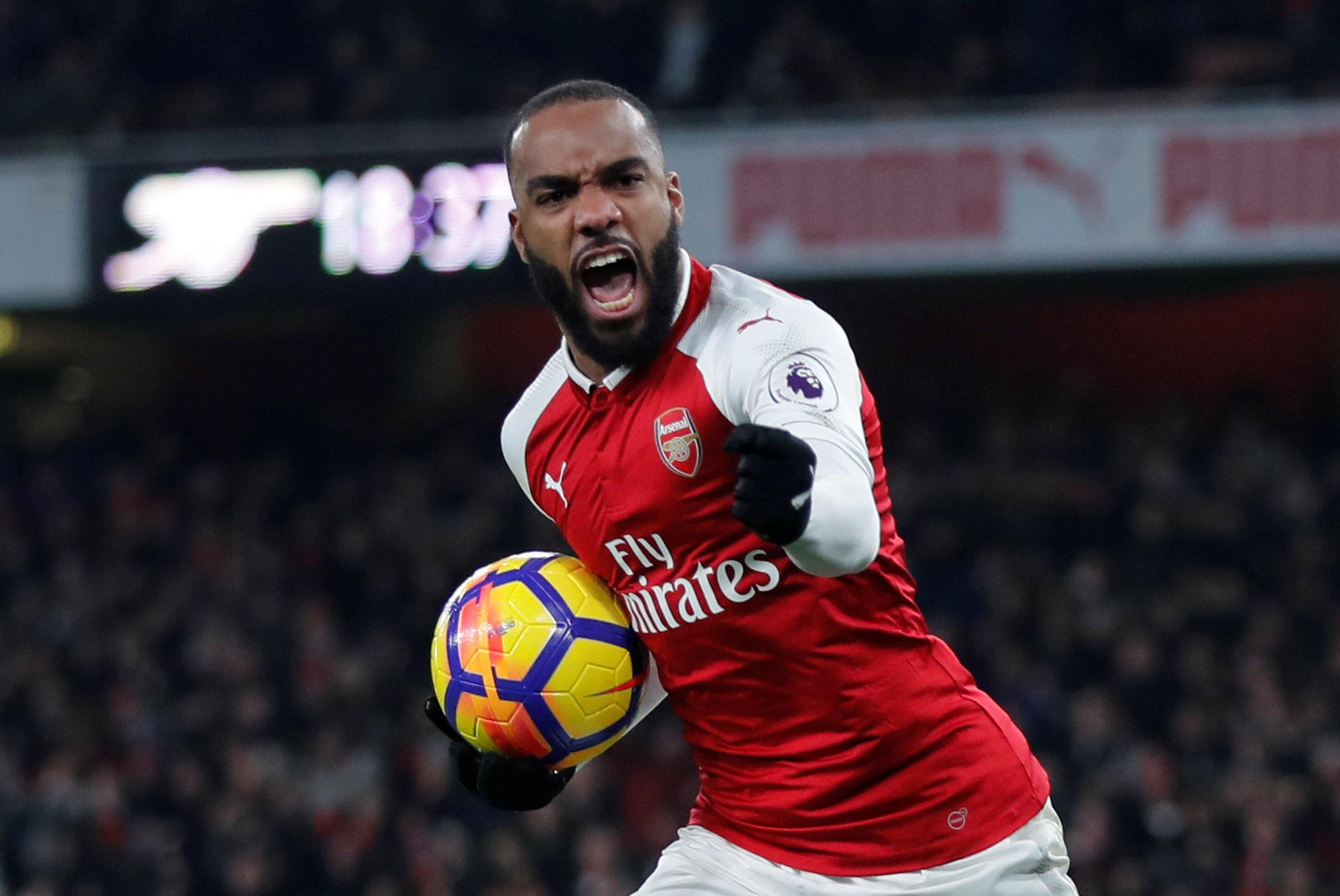 Pierre-Emerick Aubameyang and Alexandre Lacazette ready to quit Arsenal if not in top four - Bóng Đá