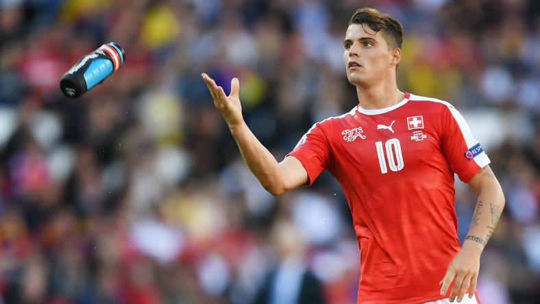 Swiss FA issue statement after Granit Xhaka tells Arsenal fans to 'f*** off' - Bóng Đá