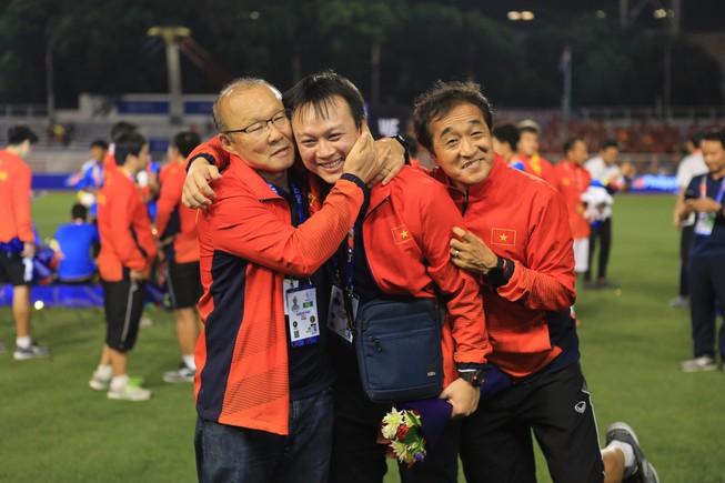 Trợ lý Lee Young-jin nói về sự chuẩn bị VCK U23 - Bóng Đá