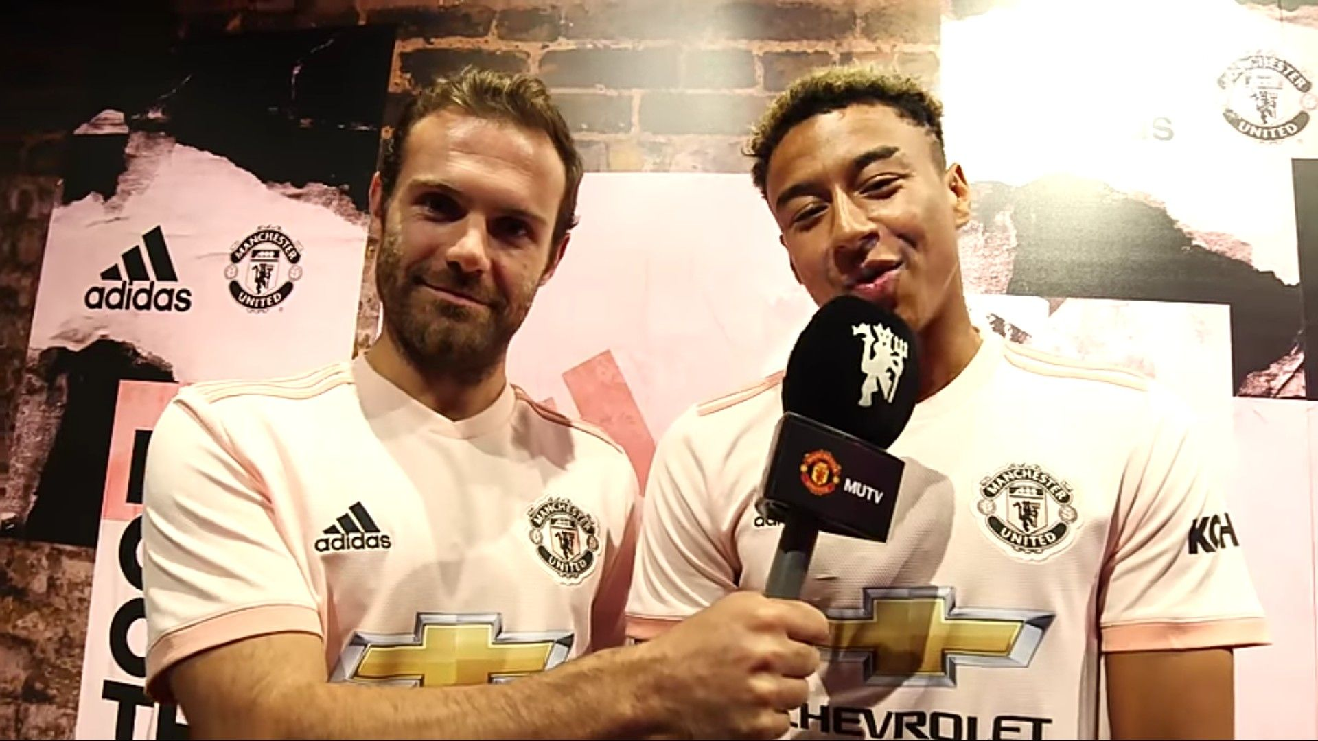 Comparing Man Utd target Bruno Fernandes with Juan Mata and Jesse Lingard is embarrassing - Bóng Đá