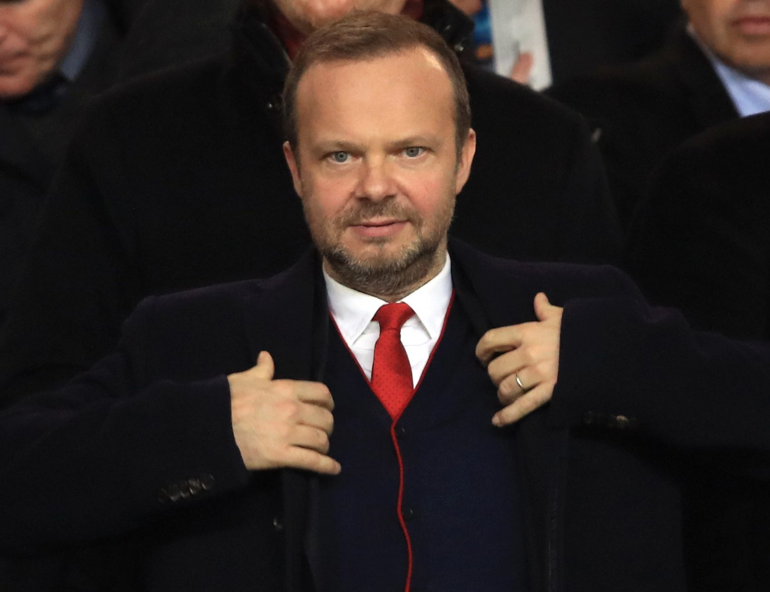 Man Utd chief Ed Woodward privately laughs off Gary Neville criticism of his job - Bóng Đá