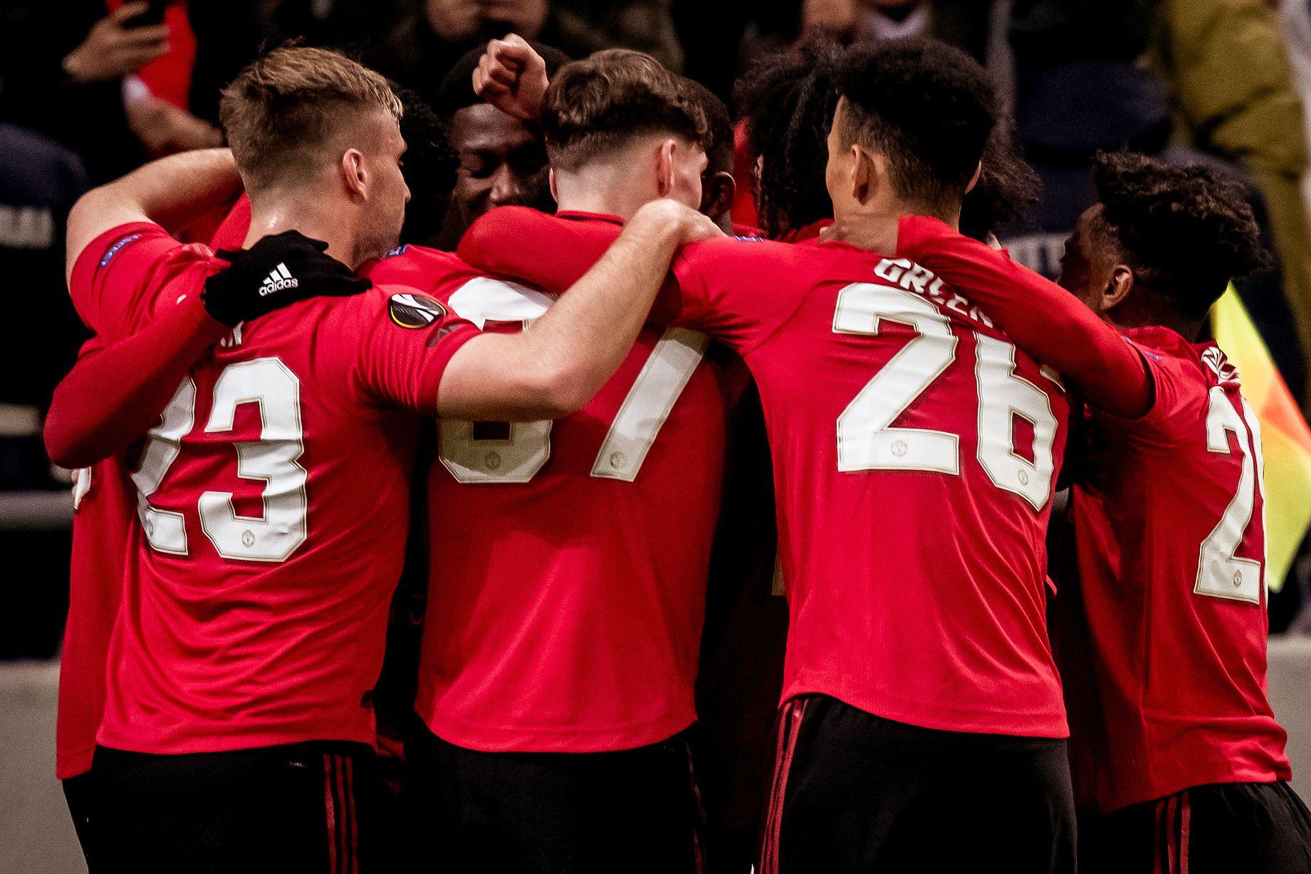 Ole Gunnar Solskjaer sent warning over 'panic buy' as Man Utd consider striker signing - Bóng Đá