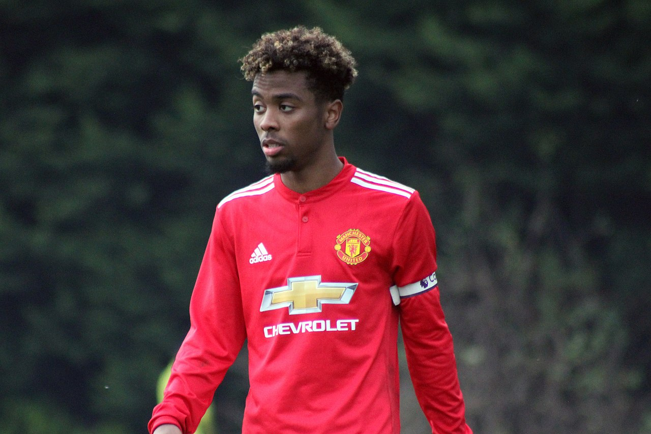 Man Utd ace Angel Gomes' view on new contract amid Chelsea and Barcelona transfer interest - Bóng Đá