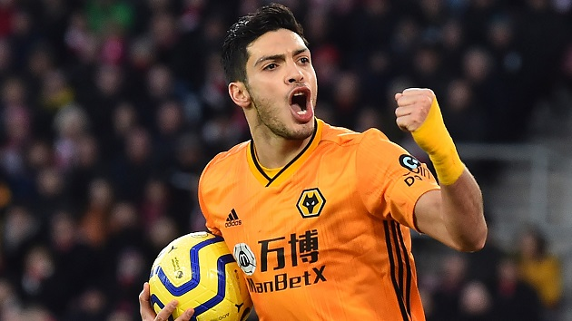 Raul Jimenez told to snub Manchester United, Arsenal and Real Madrid by Wolves legend - Bóng Đá