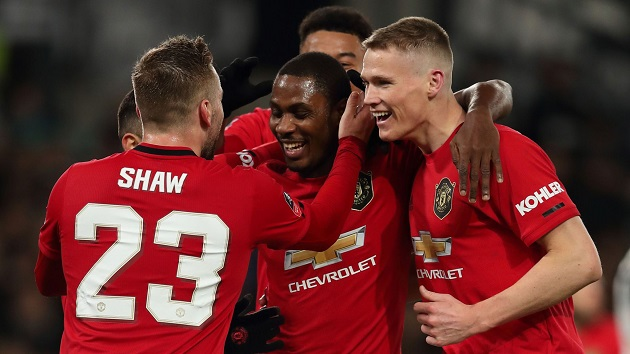 Ryan Giggs says Man United need 'four or five players' to challenge for Premier League title - Bóng Đá