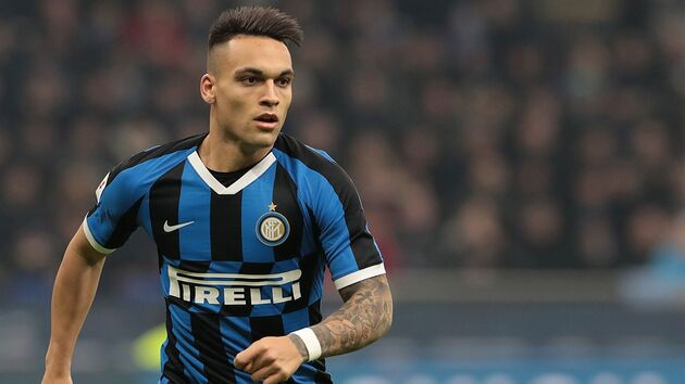 Inter Milan to double Lautaro Martinez's salary to ward off Barca interest - Bóng Đá