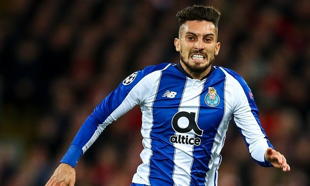 Alex Telles concerned Man United won't pay 'unrealistic' £18m to sign him (reliability: 4 stars) - Bóng Đá