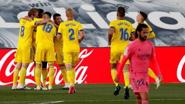 Real thua sốc Cadiz, Zidane có động thái cụ thể để chấn chỉnh học trò - Bóng Đá