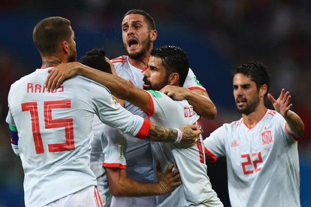 Tây Ban Nha đả bại Iran: Kẻ bảy ngày, người bảy năm - Bóng Đá