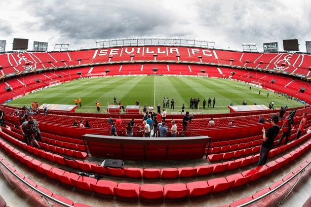 Sevilla tố Liên đoàn