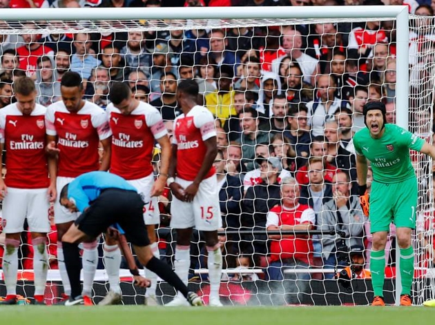 Thua thảm Man City, Cech vẫn hài lòng với chiến thuật của Emery - Bóng Đá