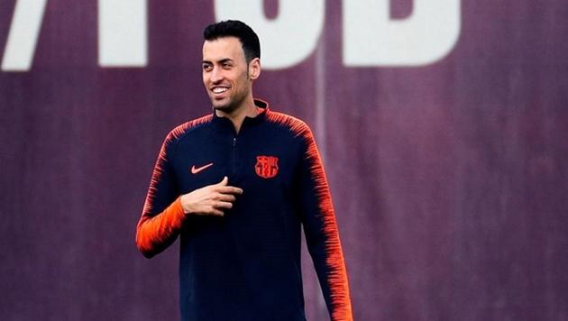 Đồng ý thỏa thuận, Barcelona giữ chân siêu tiền vệ bằng hợp đồng khủng - Bóng Đá