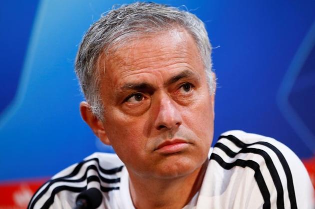 Phóng viên hỏi chuyện Zidane, Mourinho có lời đáp trả đẳng cấp - Bóng Đá