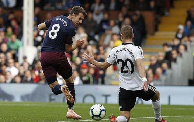Arsenal thắng đậm Fulham, fan Chelsea đã tìm ra mảnh ghép hoàn hảo cho Sarri - Bóng Đá