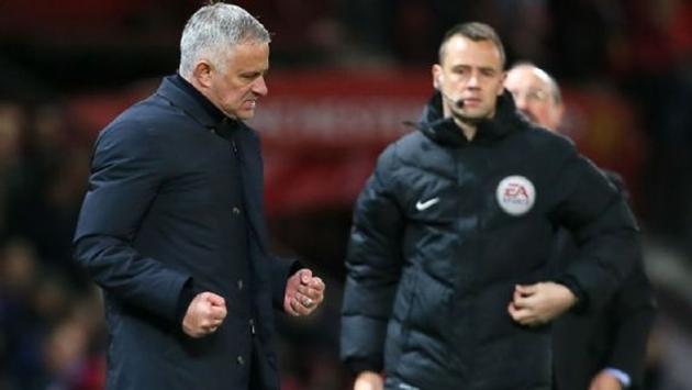 Nhận tin nhắn từ BLĐ, Mourinho tự tin về tương lai tại Man Utd - Bóng Đá