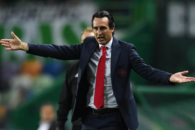 Arsenal mua trung vệ - Bóng Đá