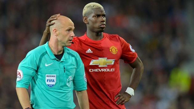 Xác nhận trọng tài điều khiển trận Derby Manchester - Bóng Đá