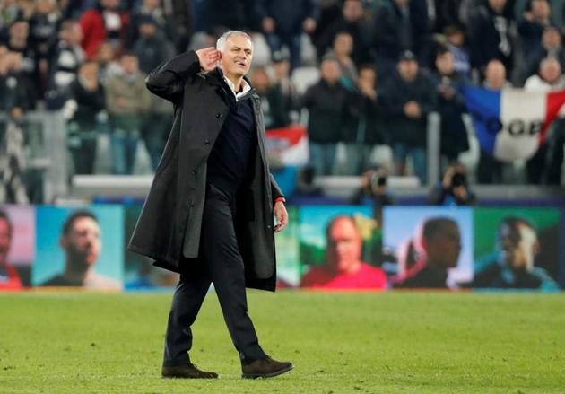 Dybala nói gì với Mourinho sau trận thua - Bóng Đá