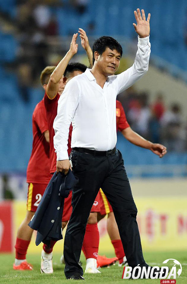 HLV Hữu Thắng phải tính toán cẩn trọng điểm rơi phong độ cho ĐT Việt Nam tại AFF Suzuki Cup 2016. Ảnh: Gia Minh.