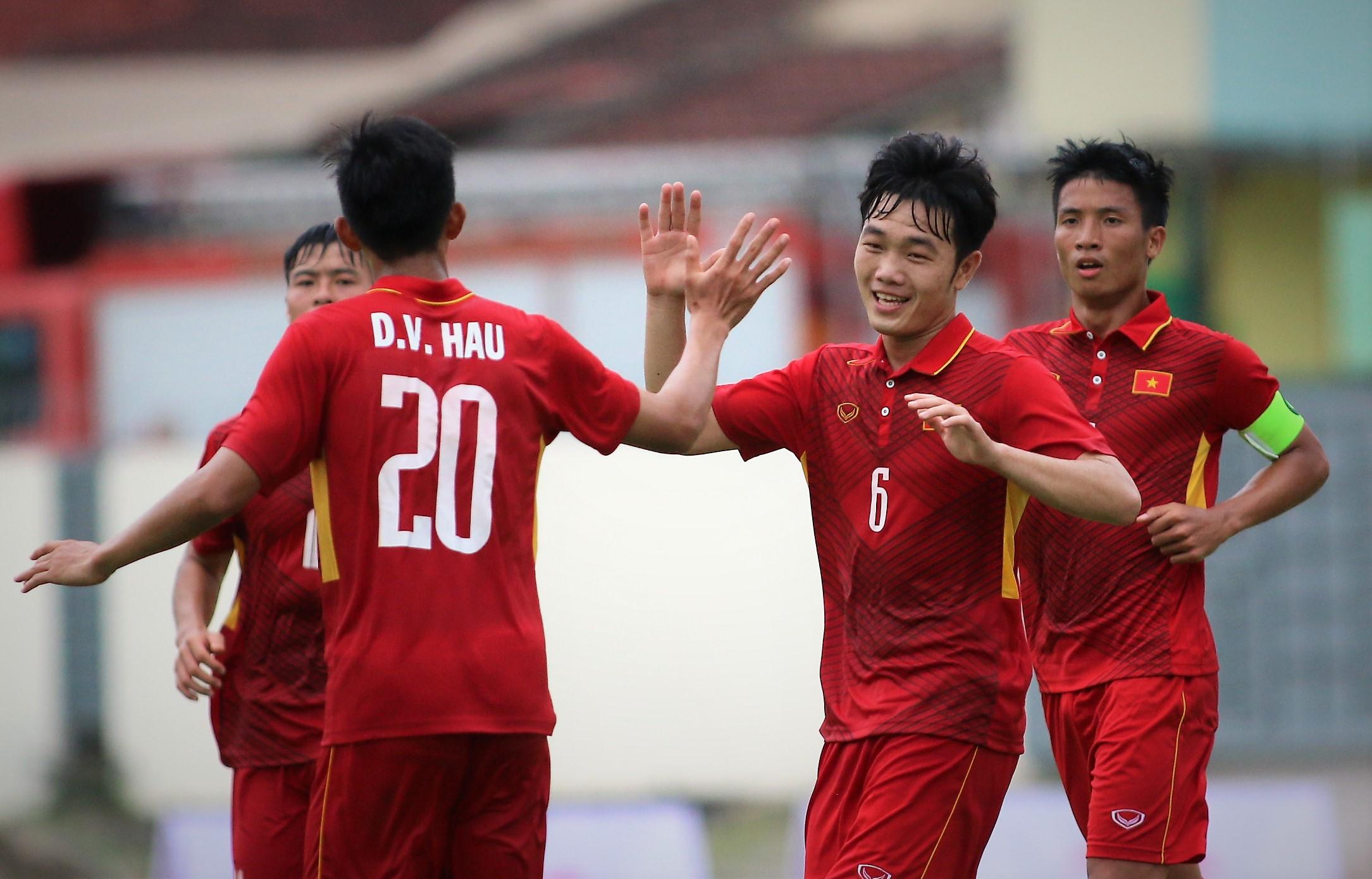 HLV Park Hang-seo muốn Công Phượng, Xuân Trường chơi tiki-taka ở ĐT Việt Nam - Bóng Đá