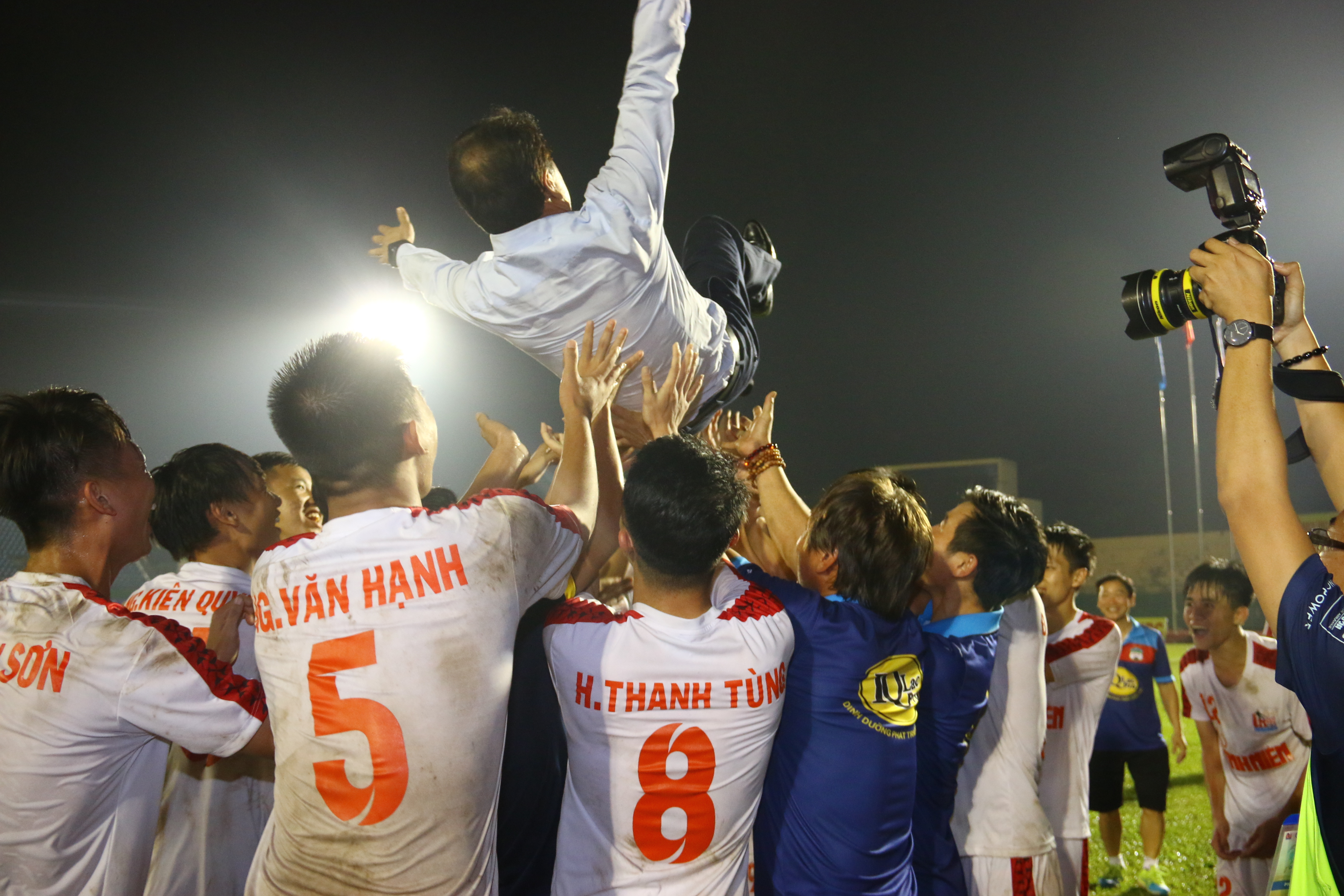 Thắng thuyết phục Viettel, U21 HAGL lên ngôi vô địch - Bóng Đá
