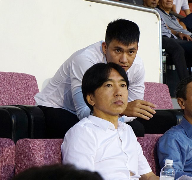 Ấn định ngày HLV Miura ký hợp đồng với TP.HCM - Bóng Đá