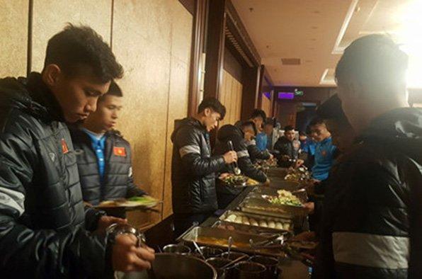 Điểm tin bóng đá Việt Nam sáng 02/01: Miura nhận lương khủng, U23 gặp khó ở Trung Quốc - Bóng Đá