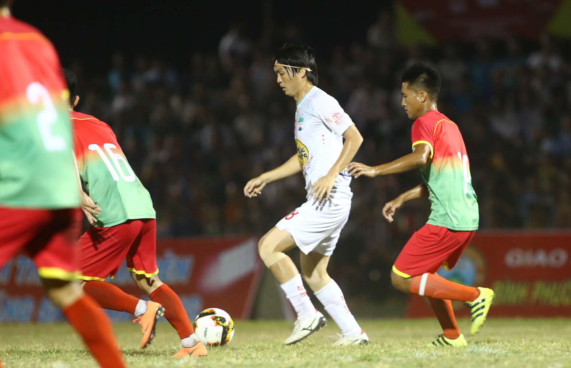 Tiền vệ Nguyễn Tuấn Anh: