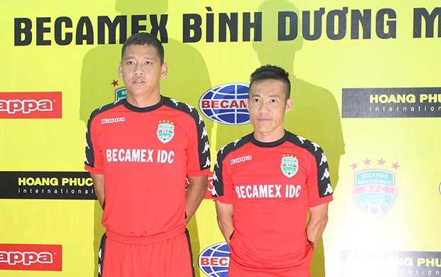 Kỷ lục gia V-League, bảnh bao trong ngày tái ký áo đấu - Bóng Đá