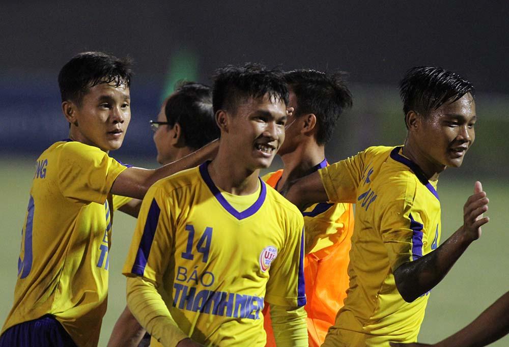 Điểm tin bóng đá Việt Nam tối 13/03: HAGL chấp tây ở V-League, Nsi nhận án cấm thi đấu 1 năm - Bóng Đá
