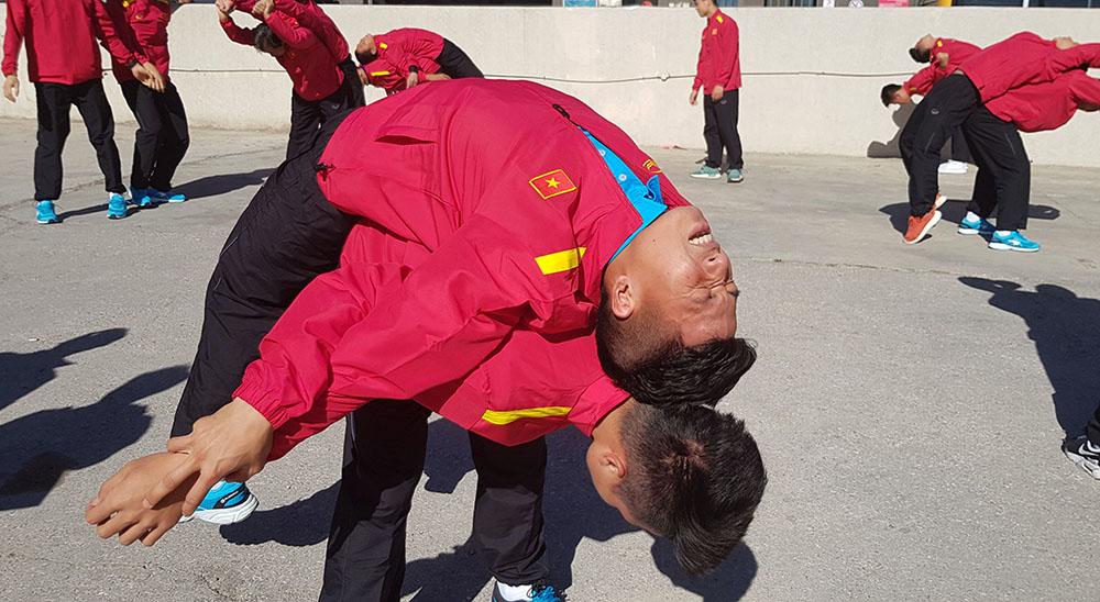 Điểm tin bóng đá Việt Nam tối 25/03: Thầy Park khen học trò, bầu Đức bị cô lập ở VFF? - Bóng Đá