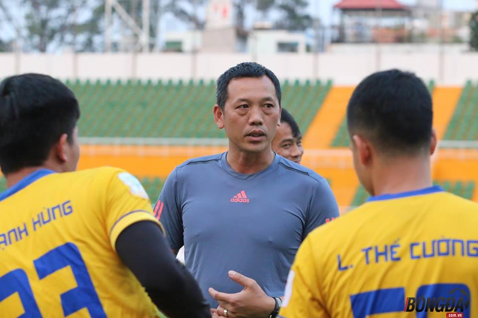 HLV SLNA nói gì sau khi cầu thủ U23 Việt Nam lập đại công? - Bóng Đá
