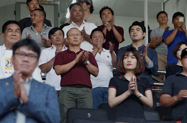 """""""Vi hành"""" xong V-League, thầy Park về Hàn Quốc """"xem giò"""" U19 Việt Nam - Bóng Đá"""