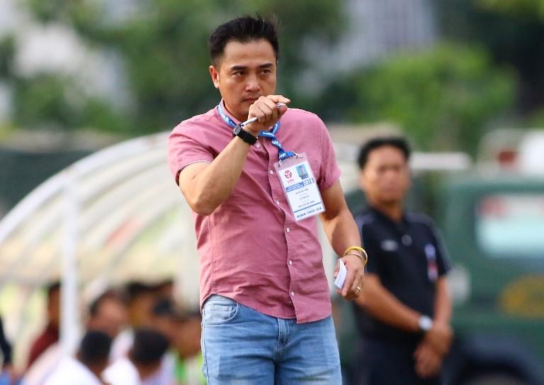 Hòa 1-1 với Bình Phước, HLV Đức Thắng than phiền chuyên sân bãi - Bóng Đá