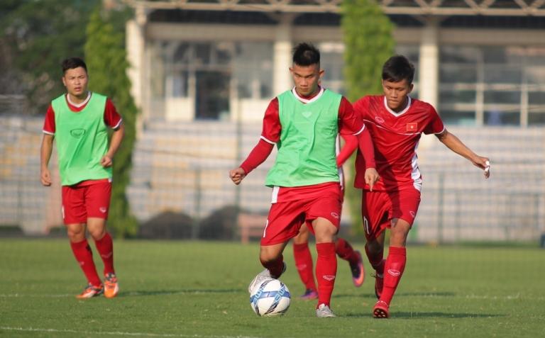 HLV Hoàng Anh Tuấn chỉ ra những điểm yếu của U19 Việt Nam - Bóng Đá