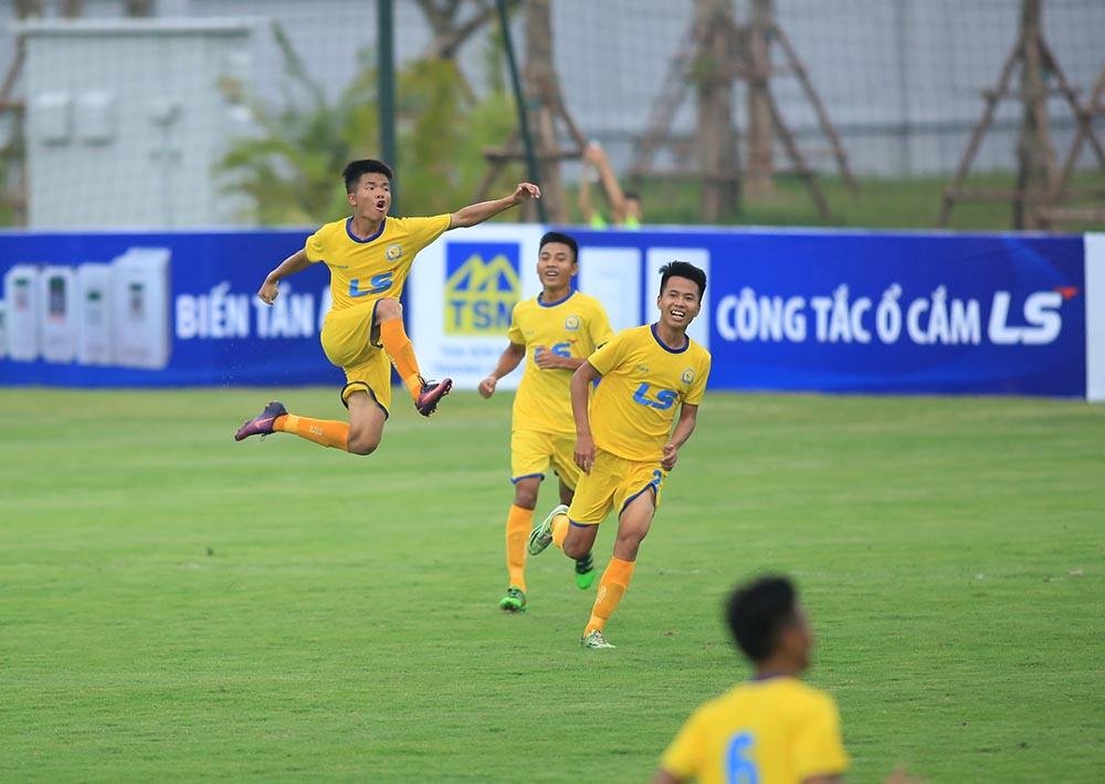 VCK U17 Quốc gia 2018: SLNA thắng dễ HAGL trận ra quân - Bóng Đá