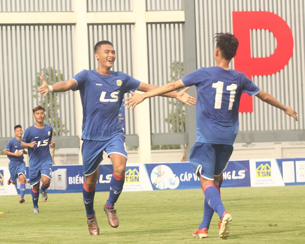VCK U17 Quốc gia: PVF thắng thuyết phục, SHB Đà Nẵng thua sốc - Bóng Đá