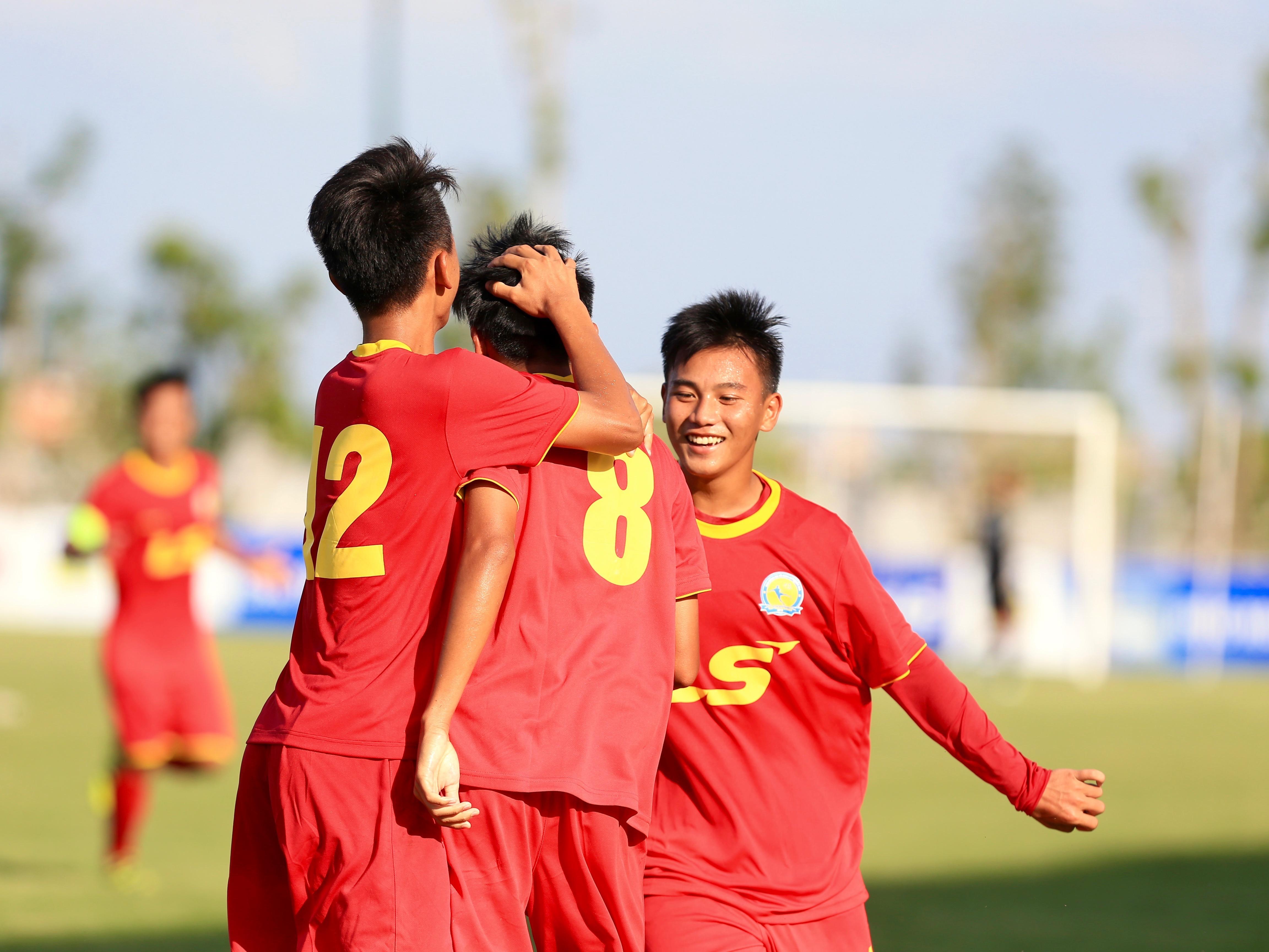 """Bảng A VCK U19 Quốc gia 2018: SHB Đà Nẵng có chiến thắng 5 """"sao"""" - Bóng Đá"""