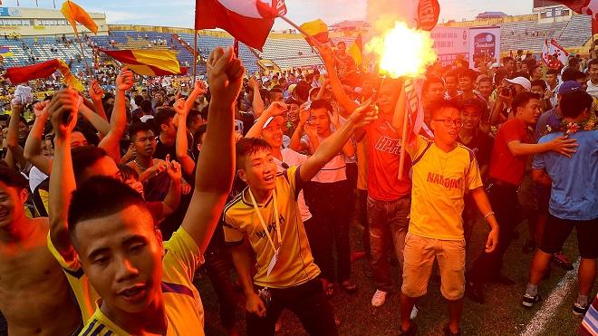 Điểm tin bóng đá Việt Nam tối 13/06: Hàng Đẫy căng mình chống Hooligan; ĐT nữ Việt Nam giành HCĐ - Bóng Đá