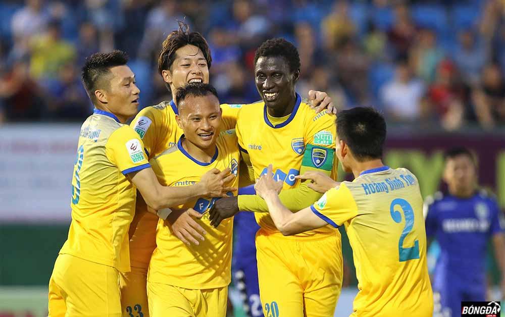 TRỰC TIẾP FLC Thanh Hóa vs Hà Nội FC 2-1; Rimario nổ súng vào lưới Hà Nội FC - Bóng Đá