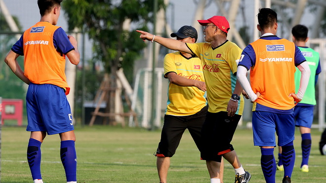 Điểm tin bóng đá Việt Nam sáng 27/07: U23 Việt Nam hội đủ quân, Thầy Park bắt đầu rèn chiến thuật - Bóng Đá