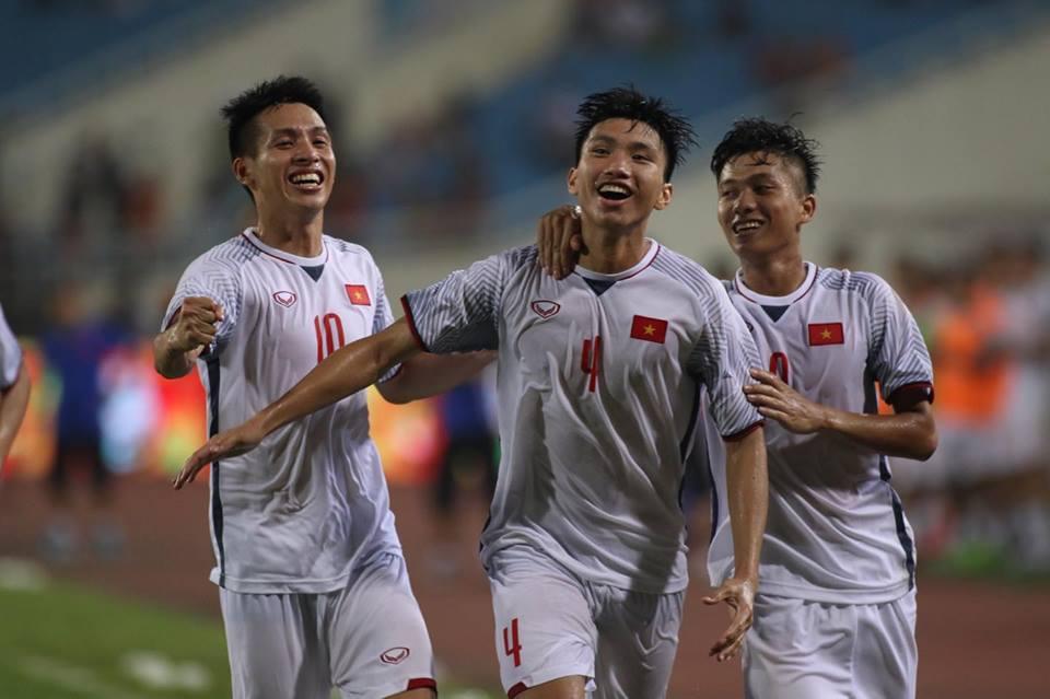 TRỰC TIẾP U23 Việt Nam 1-0 U23 Oman (H2): Văn Hậu lập siêu phẩm - Bóng Đá