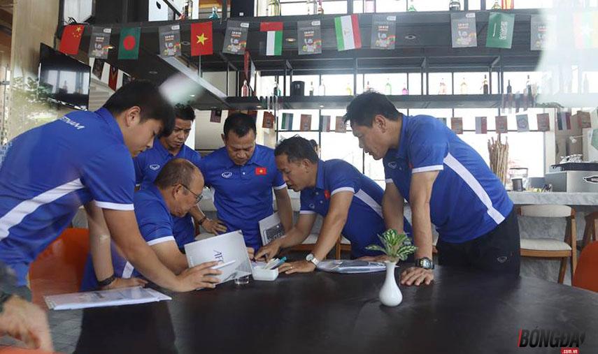 TRỰC TIẾP U23 Việt Nam vs U23 Pakistan: Thầy Park yêu cầu họp khẩn - Bóng Đá