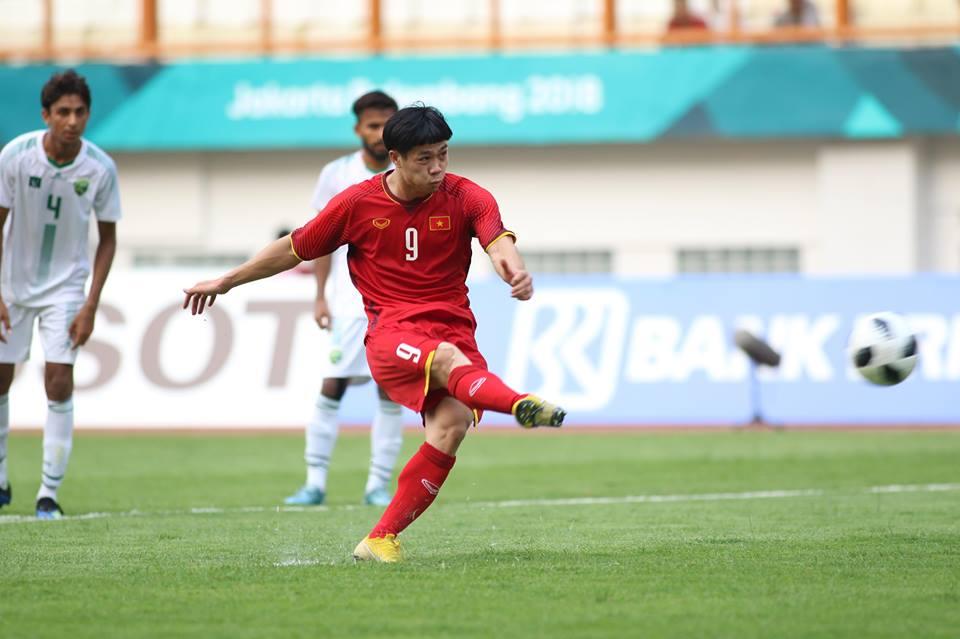 TRỰC TIẾP U23 Việt Nam 2-0 U23 Pakistan (H2): Công Phượng bị phạm lỗi trong vòng cấm - Bóng Đá