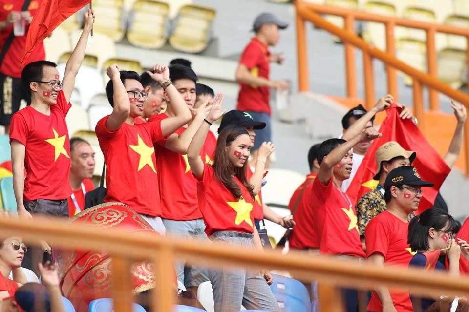 TRỰC TIẾP U23 Việt Nam 2-0 U23 Pakistan (H2): Quang Hải sút phạt bóng trúng cột - Bóng Đá