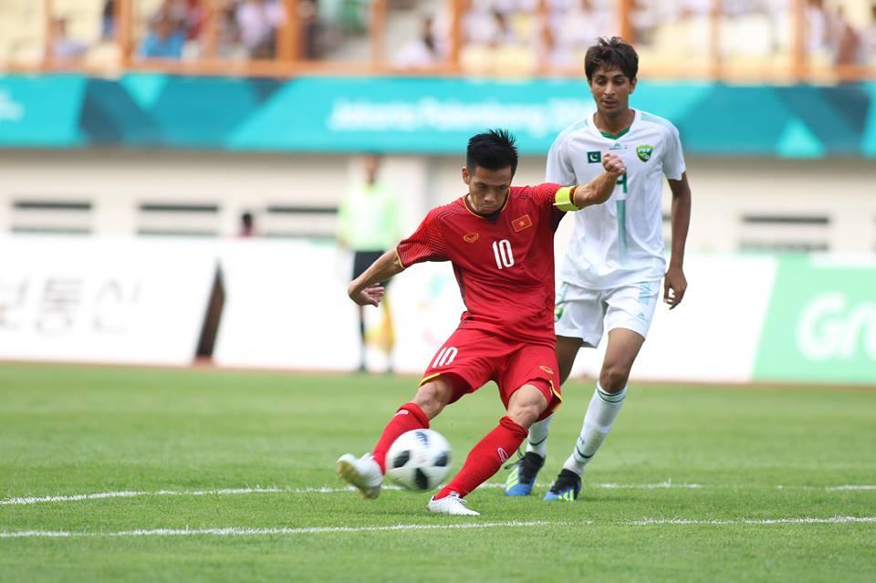 TRỰC TIẾP U23 Việt Nam 1-0 U23 Pakistan (H1): Quang Hải lập công - Bóng Đá