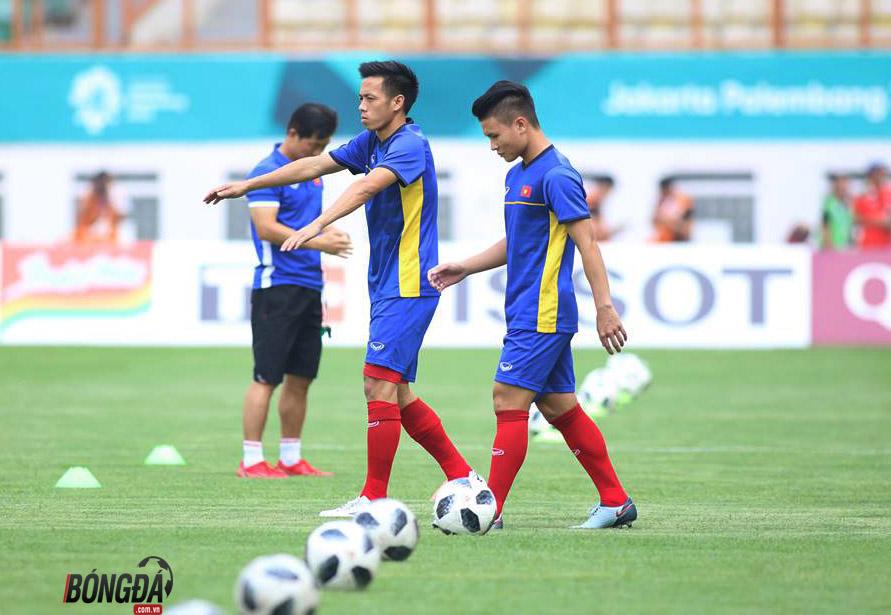 TRỰC TIẾP U23 Việt Nam vs U23 Pakistan: Tiến Dũng bắt chính, Công Phượng - Anh Đức đá cặp trên hàng công - Bóng Đá