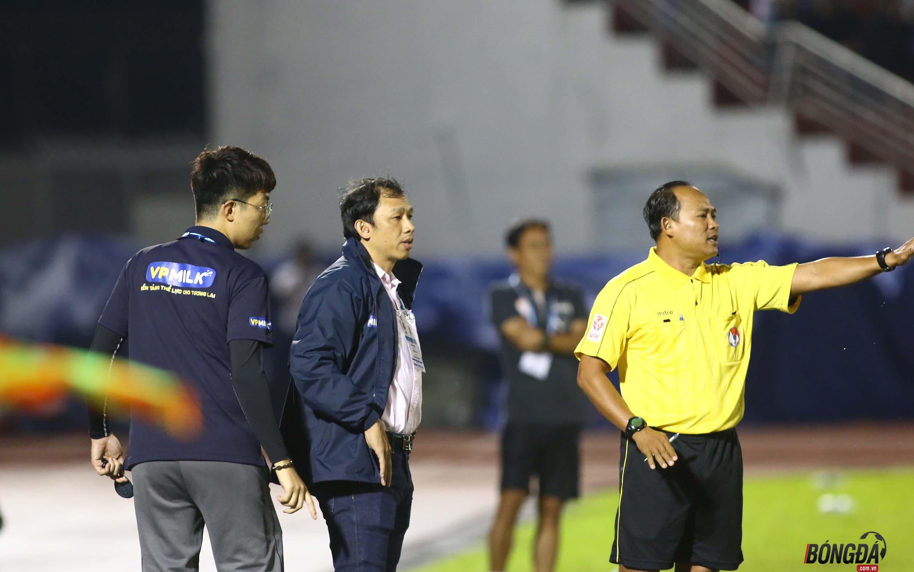 TRỰC TIẾP HAGL 0-0 Hà Nội FC (HIỆP 1): Công Phượng đối đầu Quang Hải - Bóng Đá