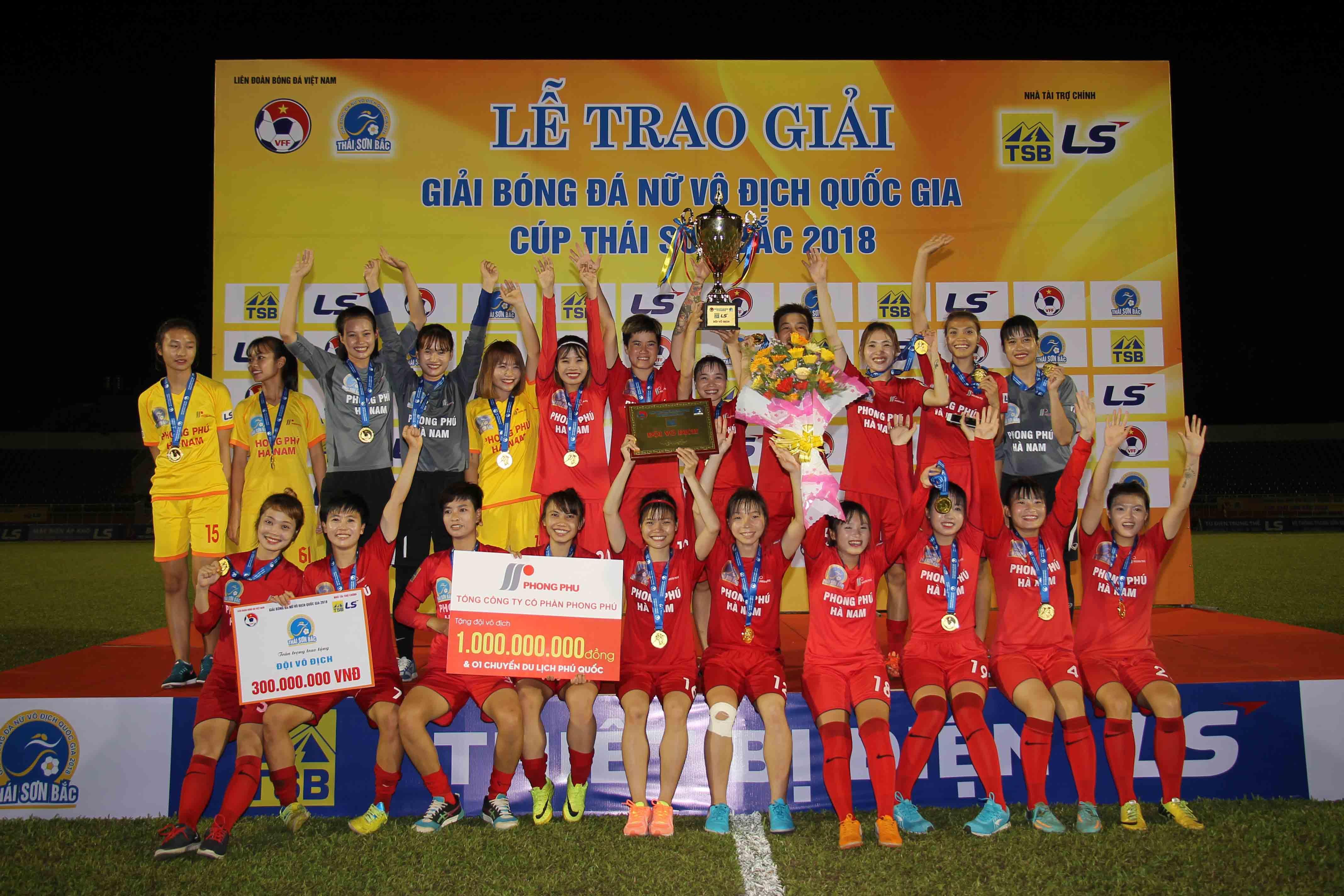 Phong Phú Hà Nam làm nên lịch sử - Bóng Đá