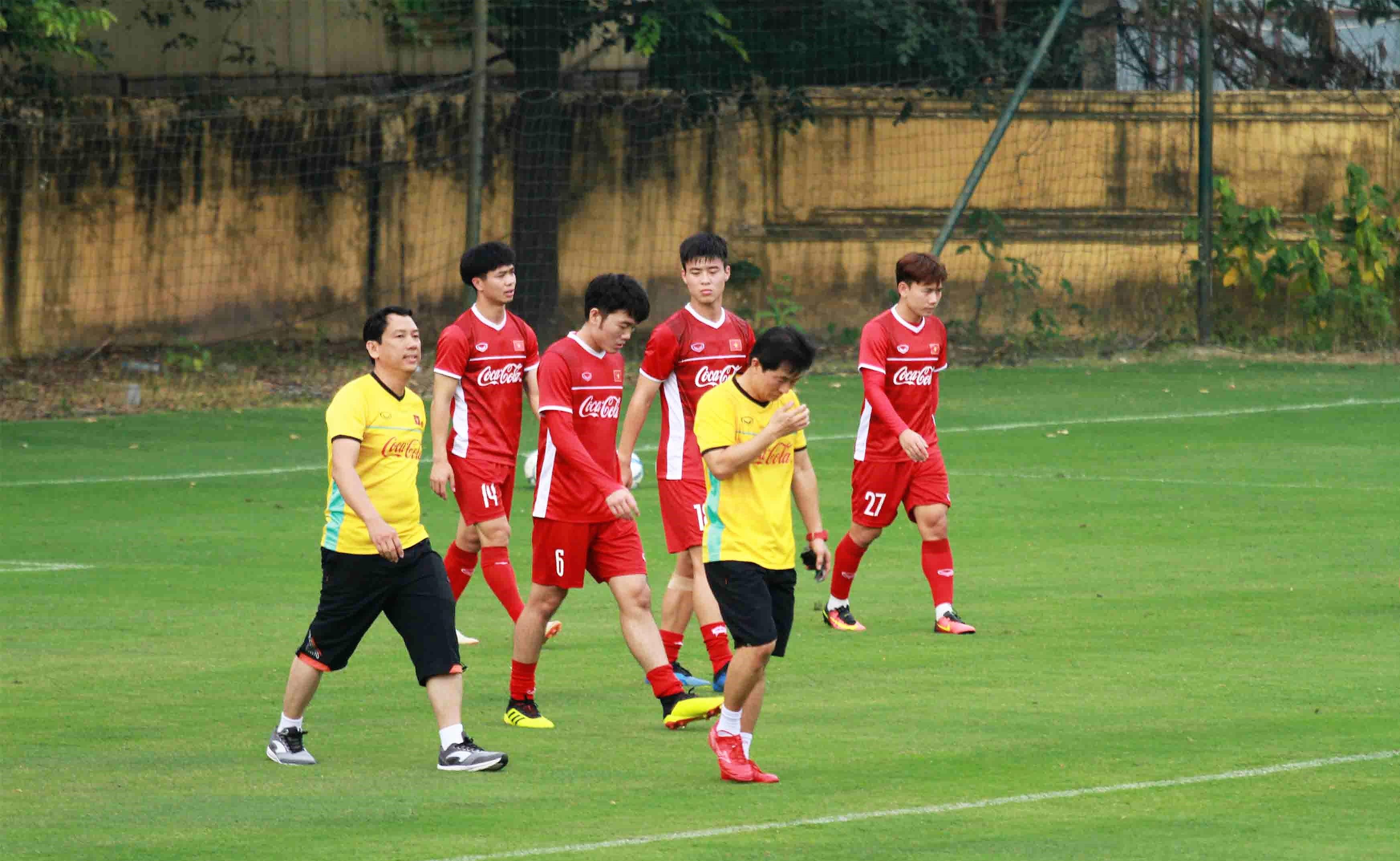 Nhật ký AFF Cup 2018: Đổi đội hình 2, thầy Park tìm chiến thuật mới - Bóng Đá